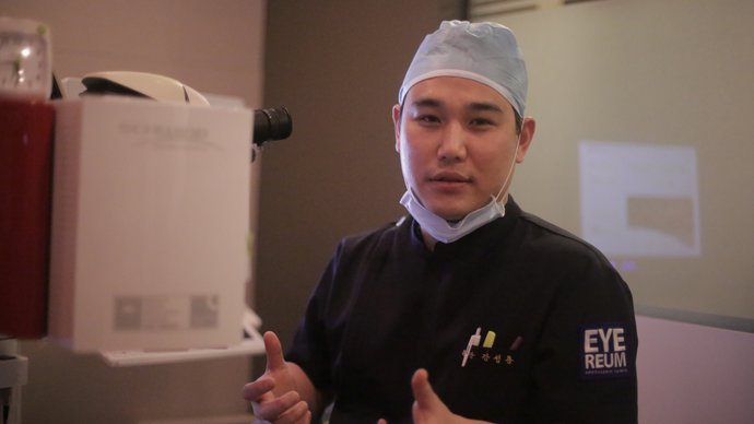 Dr David Kang (Clinical Director of the Eyereum Eye Clinic) | © Eyereum Eye Clinic
