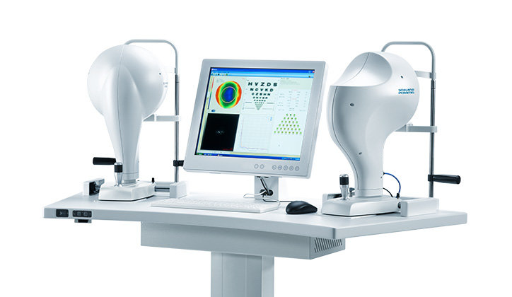 Diagnostic device Combi Wavefront Analyzer with results screen on white background
